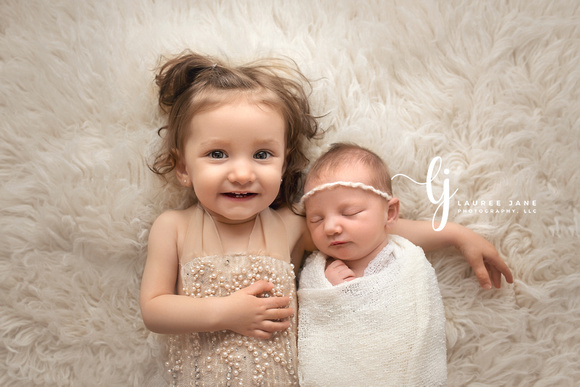 Newborn photographer erie pa